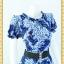 1941ชุดแซกทำงาน เสื้อผ้าคนอ้วน ผ้าวาเลนติโน่พิมพ์ลายกราฟฟิคสีสันสดใสโดดเด่นด้วยระบายคอ แขนและเอวทรงสุภาพเรียบร้อยชุดคู่กระโปรงน้ำเงิน thumbnail 2