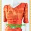1974ชุดทํางาน เสื้อผ้าคนอ้วนสีส้มดุจทองสวยลุคหรูสง่างามคอวีโค้งรูปหัวใจโชว์เครื่องประดับสไตล์ออกงานเรียบหรู thumbnail 3