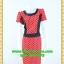 2448เสื้อผ้าคนอ้วนสีชมพูลายจุดเล็กคอกลมแต่งคอและด้านข้างเอวสีดำปรับสรีระช่วงลำตัวดึงดูดความน่าสนใจ thumbnail 1