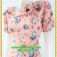 2933เสื้อผ้าคนอ้วน ชุดทำงานลายดอกสีชมพูคอระบายม้วนกุหลาบด้านข้างเก๋สไตล์หวาน thumbnail 3