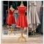 รหัส ชุดราตรี : PF104 ชุดราตรีสั้น เดรสออกงาน ชุดไปงานแต่งงาน ชุดแซก สีแดงสด สวยด้วยลูกไม้ด้านบนและเรียบหรูด้วยผ้าซาติน thumbnail 1