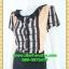 2636ชุดทํางาน เสื้อผ้าคนอ้วนผ้าลายกราฟฟิคสีเข้มแต่งระบายคอด้านหน้าเพิ่มความหวานจับคู่กระโปรงสีเข้มสำหรับสาวมีสะโพก thumbnail 3