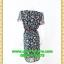 2671ชุดเดรสทำงาน เสื้อผ้าคนอ้วน สีดำลายดอกเล่นกุ๊นแถบสีคอกลมกระโปรงป้ายเสริมชิ้นลอยพาดครึ่งตัว เพิ่มจีบกระโปรงบนตัวชุดอย่างหรูหรา thumbnail 4