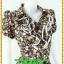 2884เสื้อผ้าคนอ้วน ชุดทำงานคอพวงระบาย ชุดแต่งโปรงจีบรอบเอวลายดอกไทยๆสไตล์หวานน่ารักแขนตุ๊กตาเดินกุ๊นขาวเพิ่มความสะดุดตาเบรคลายอย่างลงตัว thumbnail 2