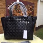 กระเป๋าแฟชั่น CHARLES & KEITH EMBOSSED HANDBAG มี 3 สี แดง ดำ ขาว