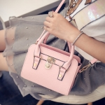 พร้อมส่ง กระเป๋าสะพายไหล่และกระเป๋าถือ สวยหรู มีเข็มขัดล็อคด้านหน้า แฟชั่นเกาหลี Fashion bag รหัส G-048 สีชมพู