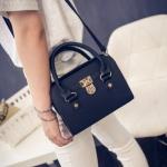 พร้อมส่ง กระเป๋าสะพายไหล่และกระเป๋าถือ สวยหรู มีเข็มขัดล็อคด้านหน้า แฟชั่นเกาหลี Fashion bag รหัส G-048 สีดำ