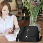 พร้อมส่ง กระเป๋าผู้หญิง สะพายข้างใบเล็ก เรียบหรู แต่งจี้กวางแฟชั่นเกาหลี รหัส Yi-021 สีดำ