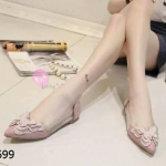 รองเท้าคัชชูสไตล์ KOREA งานสวยเก๋ ดีไซน์สวยประดับผีเสื้อด้านหน้าพร้อมคริสตัลแวววาว ลุคเรียบหรู ผู้ดี๊ ผู้ดี ออร่ากระจาย