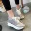 รองเท้าผ้าใบมัฟฟินเข้านำ สไตล์เกาหลี ส้นสูง3cm วัสดุรองเท้าทำจากผ้าตาข่ายละเอียดอ่อน นิ่มไม่บาดเท้าระบายอากาศได้ดี ผสมกับผ้ากลิตเตอร์ วิ้งๆ ดูเป็นแฟชั่นที่สวยเก๋มาก นำ้หนักเบา สวมใส่สบาย สาวๆห้ามพลาดคู่นี้เลยที่เดียว thumbnail 2