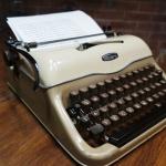 Triumph Typewriter Gabriele รหัส9459tr