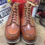 Red wing 8875 size 9.5E/27.5cm