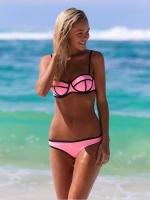 ชุดว่ายน้ำบิกินี่ทูพีชสีชมพูสวย ตัดลายเส้นดำ