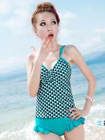 ชุดว่ายน้ำTankini สายเดี่ยว เสื้อโทนสีเขียวแต้มลายจุดดำขาว กางเกงขอบแต่งระบายน่ารัก