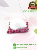 ตุ๊กตาแมวเหมือนจริงนอนหลับบนเบาะ สีขาว 10x12 CM