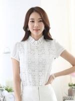 [รหัส W1660] เสื้อผ้าแฟชั่นพร้อมส่ง เสื้อแฟชั่น ผ้าลูกไม้ตัดต่อผ้าชีฟอง แต่งไข่มุก มีกระดุมหลัง + ซิปข้าง แบบสวม สีขาว