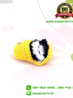 ตุ๊กตาแมวเหมือนจริงนอนหลับในรองเท้าไหมพรม สีเหลือง 10 CM