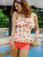 ชุดว่ายน้ำ Tankini กางเกงขาสั้น สีส้ม เสื้อแต่งระบายที่อก ลายเบอร์รี่สีสันสวยสด