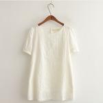 เสื้อผ้าฝ้ายสีขาวตัวยาว เนื้อผ้าปักฉลุลายดอกไม้