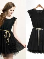 Cherry Dress ++สินค้าพร้อมส่งค่ะ++ชุดเดรสเกาหลี คอกลม แขนระบาย ผ้าลูกไม้เนื้อดีค่ะ ตัดต่อกระโปรงพรีทด้วยชีฟอง+สายผูกเอว 1 เส้น มี 2 สี – สีดำ