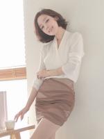 ++สินค้าพร้อมส่งค่ะ++ชุดแฟชั่นเซ็ทเกาหลี เสื้อคอ V แขนยาว ผ้าชีฟองเนื้อดี+กระโปรงสั้น เข้ารูปกระชับเข้ารูป – สี Apricot