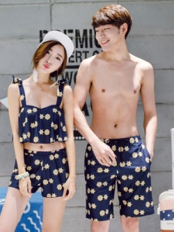 ชุดคู่รักเกาหลี แนวชุดว่ายน้ำบิกินี่เซ็กซี่ พิมพ์ลายทั้งตัว สวยเก๋ มี3สี