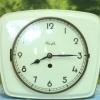 T0669 นาฬิกาแขวนกระเบื้องเยอรมันโบราณ Kienzle ส่ง EMS ฟรี