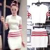 ++สินค้าพร้อมส่งค่ะ++ชุดเซ็ทเกาหลี เสื้อแขนห้าส่วน คอกลม ผ้า knitting เนื้อดี แต่งลายเส้นขอบแขน+กระโปรงสั้นน่ารัก – สีขาว/แดง