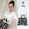 ++สินค้าพร้อมส่งค่ะ++ ชุดเซ็ทเกาหลี เสื้อคอกลม แขนสั้น ปักรูปแมวห้าตัวชายเสื้อมีหางห้อยเก๋+กระโปรงสั้น พิมพ์รูปแมว ขอบเอวยืดด้านหลัง น่ารัก – สีขาว