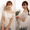 ++สินค้าพร้อมส่งค่ะ++เสื้อแฟชั่นเกาหลี แขนสั้น ดีไซด์โชว์ไหล่ ผ้าลูกไม้ใบใหญ่เก๋ มี 2 สีค่ะ +สายเสื้อใน 1 เส้น – สีขาว