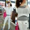 ++ชุดออกกำลังกายพร้อมส่งค่ะ++ ชุดเซ็ท กีฬาเกาหลี 3 ชิ้น เสื้อคอปาด เอวจั้ม+เสื้อกล้าม+กางเกงขาห้าส่วน แต่งกระเป๋า 2 ข้าง สีขาว