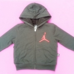 ฺBSH-179 (4-5Y,6Y,7Y) เสื้อกันหนาว Jordan สีดำ ปักแบรนด์ Jordan สีแดง ด้านในบุขนแกะแท้ 100% สีดำ