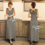 Cool Summer Minimal Striped Maxi Dress (สีดำ)