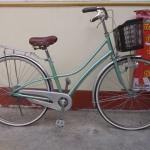 จักรยานแม่บ้านญี่ปุ่นผ่าหวาย ไม่มีเกียร์ มีตะกร้า ไฟ