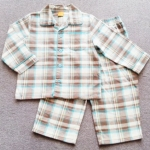 SLW-006 (9-12M) ชุดนอนผ้าสำลี Mini Mode ปกฮาวาย ลายสก็อตสีน้ำตาล-ขาว ขลิบฟ้า-เหลือง กุ๊นริมฟ้า