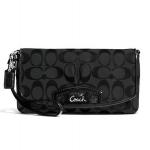 กระเป๋าคล้องแขน  COACH F48127 SLCBK Signature Jacquard Wristlet สีดำ