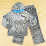 GS-583 (6Y) ชุด Nike ผ้ากำมะหยี่สีเทา ปักแบรนด์ Nike กรอบสีน้ำเงิน-ขาว  ซับในหมวกสีน้ำเงิน แต่งกุ๊นแขนและกางเกงสีน้ำเงิน