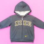 ฺBSH-176 (4Y) เสื้อกันหนาว Nike สีกรมท่า ปักแบรนด์ Nike สีเหลือง-ขาว ด้านในบุขนแกะแท้ 100% สีเทา