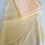 ผ้าไหมเทียมเหลืองทอง