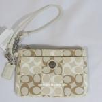กระเป๋าคล้องแขน COACH FS1952 AL Signature Canvas Coated Leather wallet wristlet