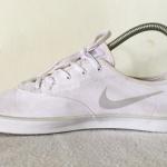รองเท้าผ้าใบ Nike สีขาว เบอร์ 40