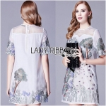 Lady Alison Elegant Artful Peacock Embroidered Dress (สีขาว)