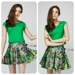 Lady Poppy T-Shirt in Green and Floral Printed Skirt Set