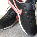 รองเท้าผ้าใบ Nike สีดำ แดง เบอร์ 36