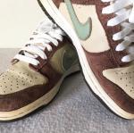 รองเท้าผ้าใบ Nike สีน้ำตาลครีม เบอร์ 36