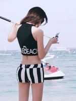 ชุดว่ายน้ำเกาหลี สีดำ เสื้อกล้าม+กางเกงลายขวาง