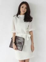 ชุดเดรสสีขาว คอตั้ง แขนสามส่วน ผ้าตาข่ายมีซับใน เจ้าหญิงสวยเก๋+เข็มขัดติดที่เอว