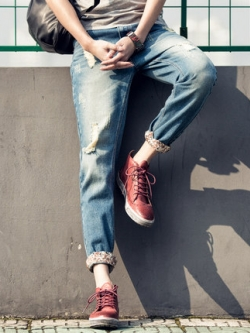 กางเกงยีนส์ขายาวเกาหลี แต่งพับปลายขา พิมพ์ลาย แนวเซอร์ๆ มี2สี