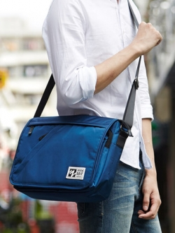 กระเป๋าสะพายเกาหลี ดีไซน์ซิบเฉียง กันน้ำ แต่งฝาปิดกระเป๋า มี2สี