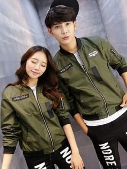 ชุดคู่รักเกาหลี เสื้อแจ็กเก็ตแขนยาว แนว Army แต่งซิบ มี2สี